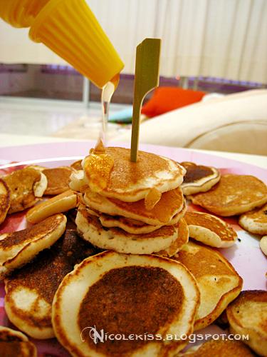 homemade pancakes 2b