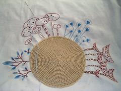 ento.......o que acham? (rosaechocolat) Tags: embroidery wip algodo almofadas