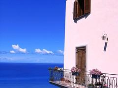 Reggio Calabria (Giuseppe Suaria) Tags: sea italy casa italia mare calabria reggio casasulmare aplusphoto