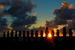 beginning of the day (miguelyn..) Tags: chile sunrise nikon bravo southpacific moai easterisland rapanui isladepascua tongariki firstquality thegoldengallery supershot superhearts theunforgettablepictures platinumheartaward world100f miguelyn magicdonkeysbest artofimages daarklands bestcapturesaoi magicunicornverybest elitegalleryaoi