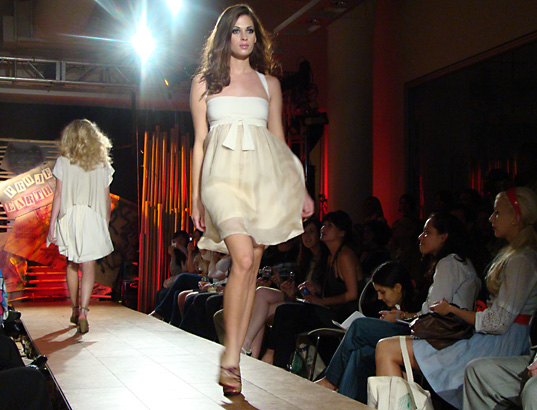 Project Earth Day Runway, Dress by Lara Miller, Project Earth Day Eco Fashion Show 2008, Green Fashion, Eco Fashion, Sustainable Style, Organic Fashion, Inhabitat photography, Jill Fehrenbacher photography, eco fashion, Green Project Runway