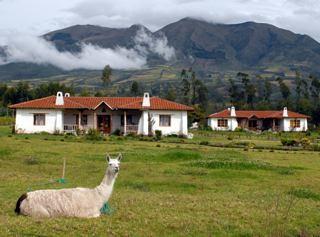 Cotacachi-gated-community
