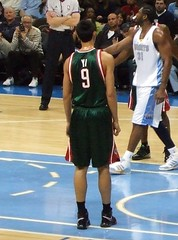 Bucks rookie Yi Jianlian