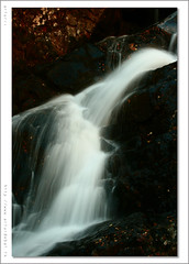 Waterfall in Arinsal. Andorra. (arturii!) Tags: autumn light mountain water colors beautiful rock stone composition digital canon wow wonderful eos photo leaf amazing movement october rocks exposure time action stones great otoo octubre moment capture temps find andorra artur aigua roca muntanya seconds pais gettyimages llum pirineus tardor roques cim tripode artphoto timing awesom expostion fulles serralada caduca bonic supershot 400d canoneos400d pyrynees kuwaitphoto superbmasterpiece diamondclassphotographer onlythebestare arturii kuwaitart espulsada scenicsnotjustlandscapes
