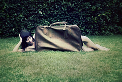The package (Violator3) Tags: selfportrait colour topf25 1025fav wow 500v20f 100v10f violator3 suitcase 500v valigia 1000v nikond200 1000v40f onceagain fotobrutta somesuitcasefairytale thankstogiorgio forhelpingme maoggimiannoiotroppo pinupdistamminchia