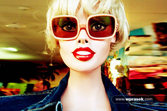 Scary Mannequin (wprasek) Tags: 2 orange mannequin fashion retail clothing scary model display au australia clothes davis dummy byronbay geena newsouthwalesnsw warrenprasek folioquirkystrange xoodu wprasek wwwxooducom wwwwprasekcom