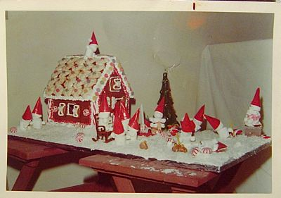 CraftyPod #65: Gingerbread Houses, with My Mom!