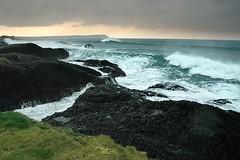 d0801111 (m-klueber.de) Tags: ireland coast meer an irland eire northern 2008 baile basalt ulster atlantik antrim ballintoy brandung inseln ire ireann nordirland gischt felskste britische tuaisceart britischeinseln 20080102 aontroma tuaigh mk2008irland mk2008irland6 basaltfelsen d0801111 mk2008nordirland mkbildkatalog