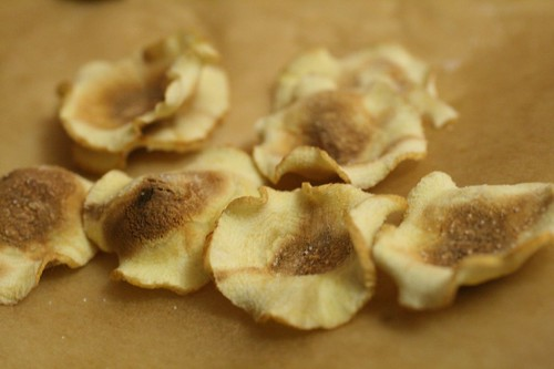 Microwaved parsnip chips