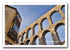 Acueducto romano, Segovia (Tony Glvez) Tags: espaa canon geotagged spain espanha canoneos20d worldheritagesite aqueduct segovia acueducto canoneos ph220 patrimoniomundialdelahumanidad geolocated geolocalizada geoetiquetada geoposicionada geopositioned