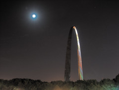 Gateway Arch at night, in Saint Louis, Missouri, USA
