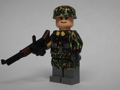 Fallschirmjger ([funkymn]) Tags: world 2 war paint lego wwii german custom paratrooper fg42 fallschirmjger