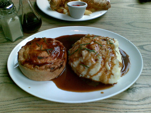 Steak and Ale Pie at the Slaughtered Lamb