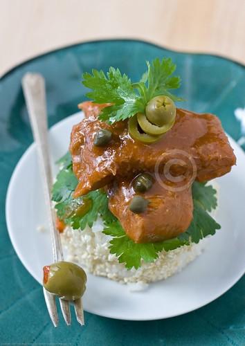Lengua de res en salsa de alcaparras (Beef Tongue in Caper Sauce)