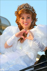 Princess Giselle makes a heart (FrogMiller) Tags: california christmas ca holiday love tourism smile fun holidays heart disneyland smiles parades disney tourists parade giselle anaheim themepark christmastime disneyprincess castmembers disneylandresort disneycharacter disneyprincesses castmember disneyparade disneylandparade brittdietz