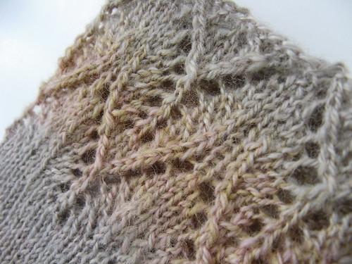 Orchid Lace Mitts detail