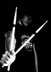 19.02.08 [drum sticks] (*party pooper*) Tags: portrait blackandwhite bw music white selfportrait black drums sticks artist drum freckles 365 2008 drumsticks schlagzeug sommersprossen 365days 190208 365tage schlagzeugstcke