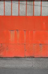 (LichtEinfall) Tags: orange composition belgien scheunentor erpe img4410w raperre urbancubism
