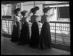 Ocean Liner, SS St Paul (George Eastman House) Tags: women ship wave goodbye usnavy usn cruiser warship oceanliner georgeeastmanhouse unitedstatesnavy vintagehats victorianhats ussstpaul ssstpaul williamcrampsons color:rgb_avg=515151 williammvanderweyde usssaintpaul internationalnavigationco williamcrampandsons crampandsons auxiliarycruiser geh:accession=197400560817 internationalnavigationcompany crampsons sssaintpaul usssaintpaulsp1643 sp1643 ussstpaulsp1643