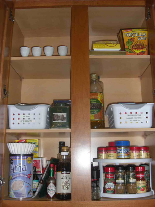 Kitchen-Cabinet-Organizer