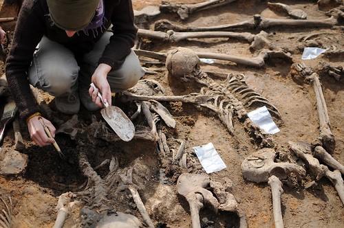 Exhumacion en una fosa comun