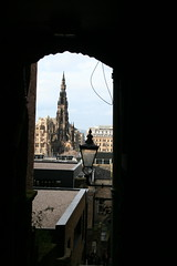Scott Monument from Advocate's Close, Edinburgh (nearthecastle) Tags: uk monument scott scotland alley edinburgh close gothic sirwalterscott steeple spire lane royalmile scottmonument walterscott advocatesclose vision:text=0639 vision:outdoor=0959