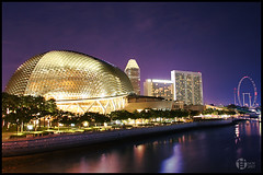 Uniquely (Tomatoskin) Tags: singapore kam uniquely supershot esplanadedrive aplusphoto singaporeflyer flickrdiamond canoneos40d tomatoskin locationsg efs17mm85mm singapore2008