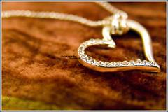Ya Galb Bikra Tinfirij (MiracleGirl) Tags: necklace heart crystal el ya kff galb bkaa bikra tinfirij