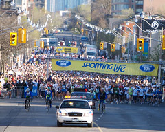 Starting Line (dericd) Tags: life toronto sporting 2007 10km