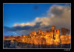 The Castle Tczyn - bathed in sunlight (Mariusz Petelicki) Tags: castle poland polska hdr zamek 3xp rudno tczyn canon400d mariuszpetelick