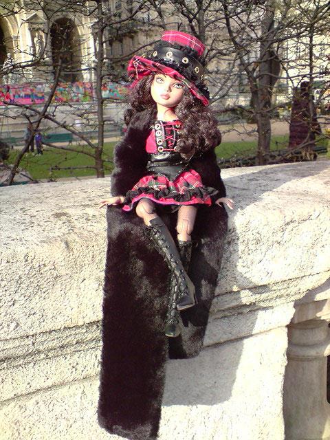 Sarah joue les touristes en solo à Paris 2303024228_59f41ed29b_o