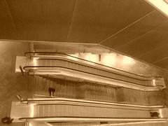 Metro Alto do Ipiranga - Vista de uma das 4 escadas rolantes (silvana_rodrigues) Tags: