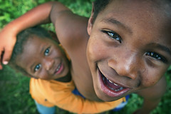 Loving you... (carf) Tags: poverty blue girls boy brazil boys girl smiling brasil kids children happy hope kid community education support child risk smiles forsakenpeople esperana social impoverished underprivileged altruism change shanty educational favela development prevention outreach atrisk luciane changemakers everyoneachangemaker sitiojoaninha alexsandro
