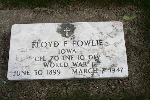 Tombstone of Floyd F Fowlie