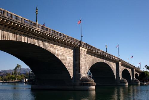 london bridge meaning: