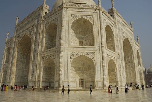 The Taj Mahal mausoleum - a sense of scale