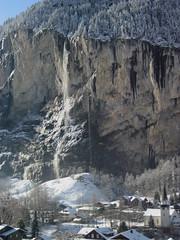 Staubbachfall Lauterbrunnen ( Fallhöhe 297 m - Zweithöchster Schweizer Wasserfall - waterfall ) des Staubbach ( Bergbach Bach Creek ) in den Alpen - Alps bei Lauterbrunnen im Lauterbrunnental im Berner Oberland im Kanton Bern der Schweiz (chrchr_75) Tags: world schnee winter snow mountains alps heritage church nature water landscape schweiz switzerland waterfall eau wasser europe bestof suisse wasserfall top swiss natur kirche berge bern neige slap alpen christoph svizzera lauterbrunnen cascade cachoeira chute jungfraujoch eglise deau berner canton cascada berneroberland 滝 oberland cascata 瀑布 0712 waterval водопад vattenfall blueribbonwinner jungfraubahn vodopád kanton chrigu wodospad الشلال vandfald staubbachfall chrchr hurni chrchr75 chriguhurni wasserfau hurni071213