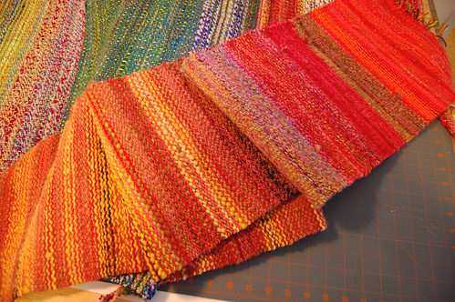 Woven fabric for kitty bed sides