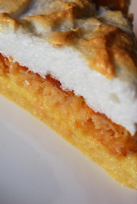 torta meringata con mele