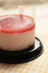 strawberry rare cheese cake (small version)