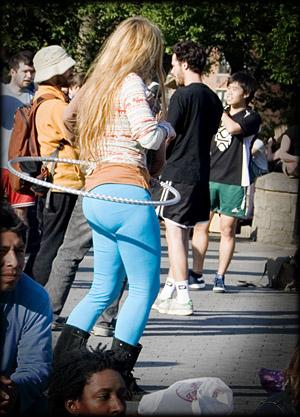 hula-hoop-girl2