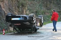Totaled 911 Turbo (G.R.Bispo) Tags: verde crash rally 911 racing turbo porsche pino wrecked rallye totaled 996 rali 70200f28 canon40d gonas gonaloreis