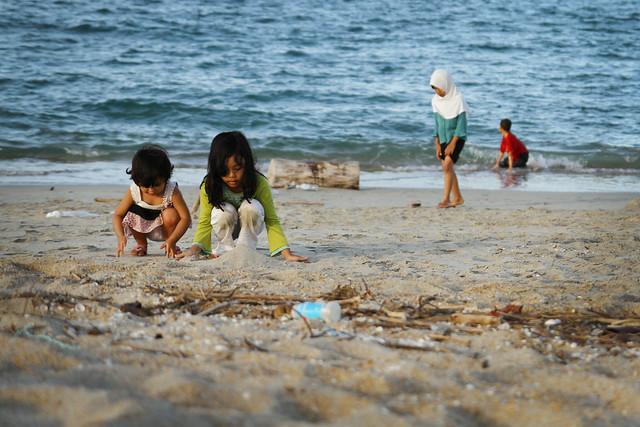 Pantai Seberang Takir