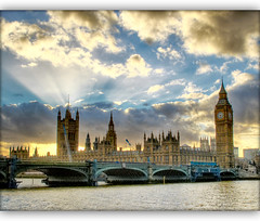 London Souvenir II (Vesuviano - Nicola De Pisapia) Tags: uk bridge sky sun bird london english clock westminster sunshine thames clouds river airplane britain great housesofparliament parliament bigben rays sole londra soe inglese raggi tamigi parlamento supershot 10faves flickrsbest vesuviano anawesomeshot superaplus aplusphoto diamondclassphotographer thegoldenmermaid