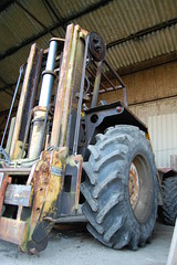 forklift (torrancedownunder) Tags: old nikon farm dirty oily grubby forklift d40