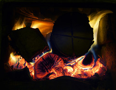 ... heating up ([ Petri ]) Tags: wood winter hot tag3 taggedout finland fire fireplace tag2 tag1 flames burning primarycolors heatwaves splendiferous golddragon artlibre jalalspagescoloursoflifealbum