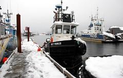 Inlet Prowler (Brian Fillmore) Tags: winter snow boats rainyday fillmore ih campbellriverbc buoyant nikond40 canadas2s