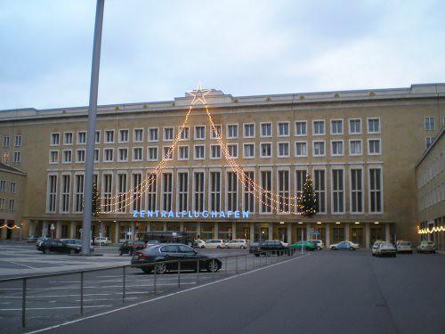 Fachada principal de la terminal de Tempelhof