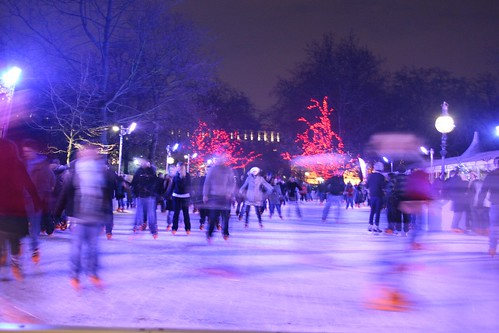 London - Ice-skating in Hyde Park