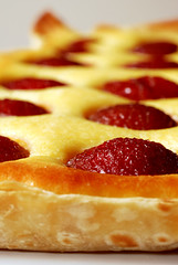 spiced plum tart©